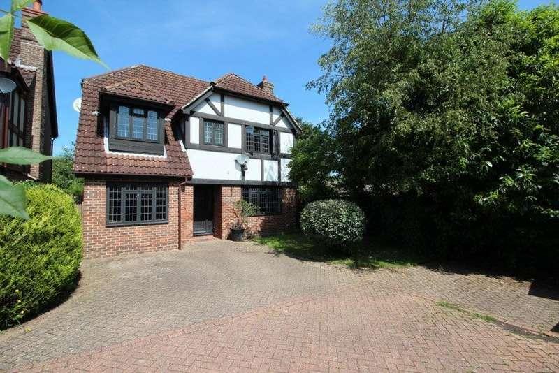 4 Bedrooms Detached House for sale in Beattie Rise, Grange Park SO30