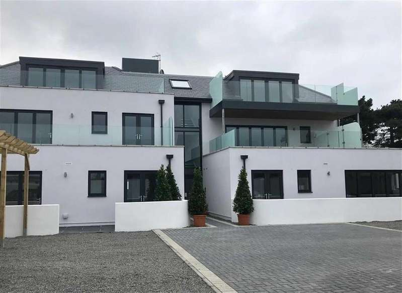 2 Bedrooms Apartment Flat for sale in St. Clement Jersey