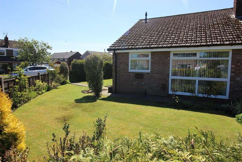 2 Bedrooms Semi Detached Bungalow for sale in Corfe Crescent, Hazel Grove, Stockport, SK7