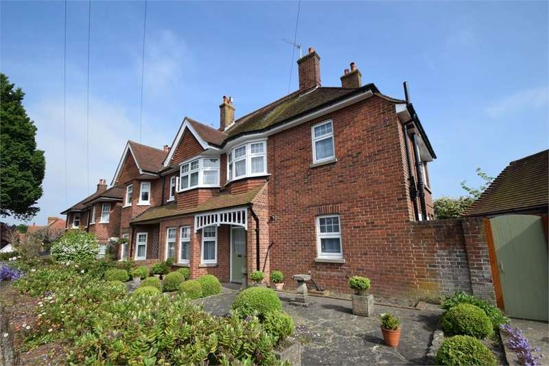 4 Bedrooms Semi Detached House for sale in Mountney Road, Old Town, East Sussex