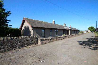 4 Bedrooms Bungalow for sale in Cameron Bridge, Windygates