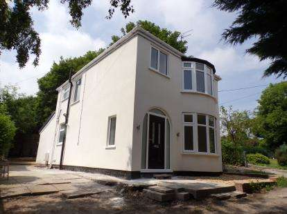 3 Bedrooms Detached House for sale in High Street, Bagillt, Flintshire, North Wales, CH6