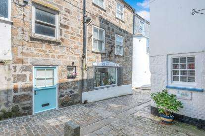 2 Bedrooms Terraced House for sale in St.Ives, Cornwall