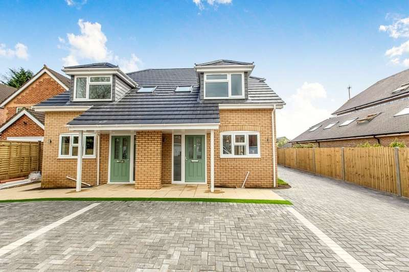 3 Bedrooms Semi Detached House for sale in Silvester Road, Waterlooville, PO8