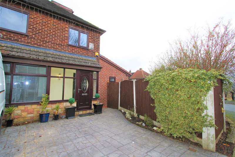 3 Bedrooms Semi Detached House for sale in Grundy Ave, Prestwich