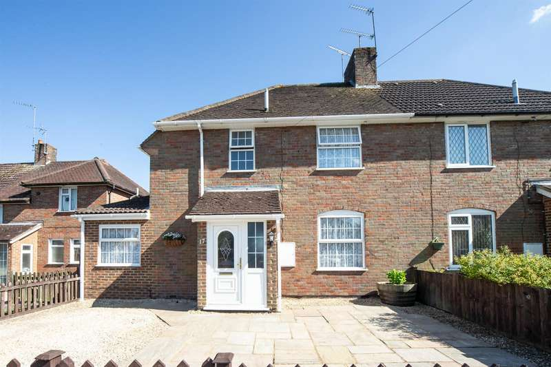 4 Bedrooms Semi Detached House for sale in Worthington Road, Dunstable