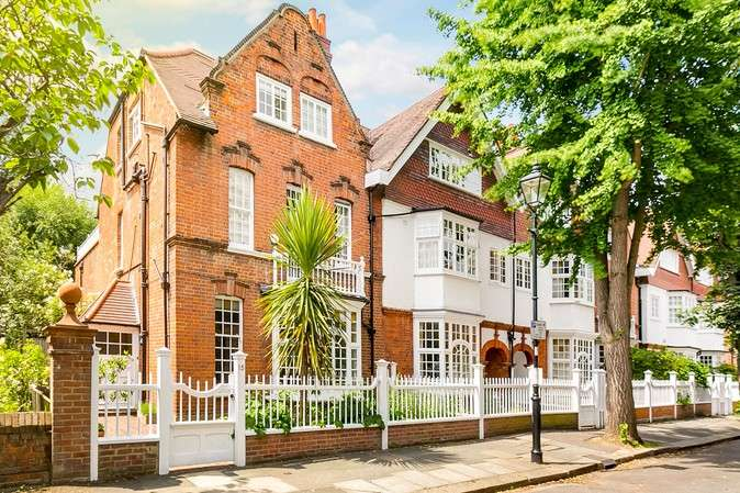5 Bedrooms Semi Detached House for sale in Queen Annes Grove, Chiswick