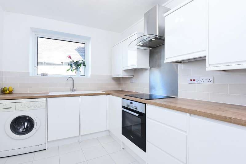 1 Bedroom Flat for sale in Sharon Court, Alexandra Grove, N12