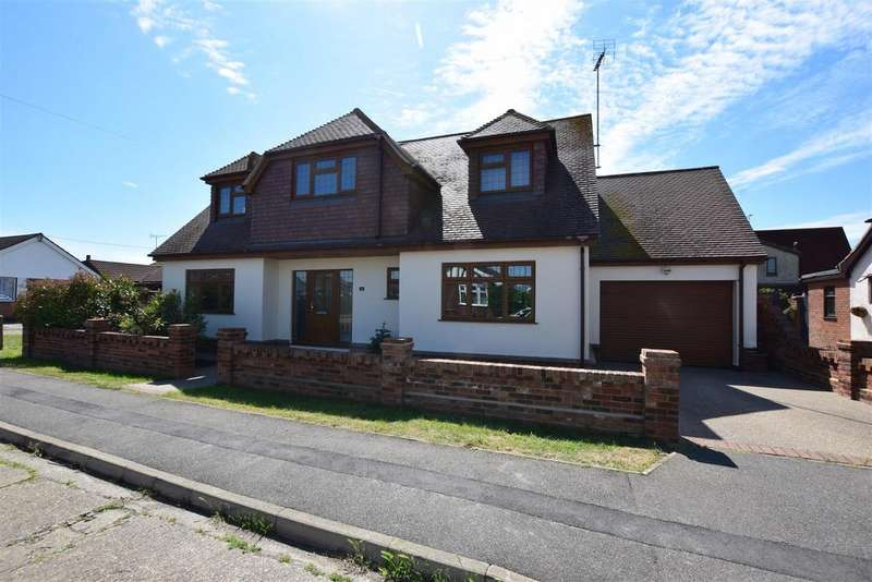 4 Bedrooms Chalet House for sale in Marine Avenue, Canvey Island