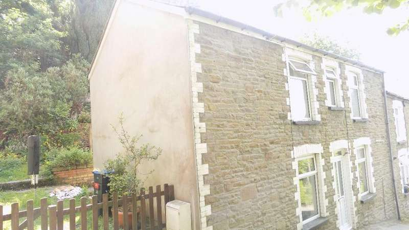 2 Bedrooms Terraced House for sale in Graig Road, Six Bells, Abertillery, NP13 2LR