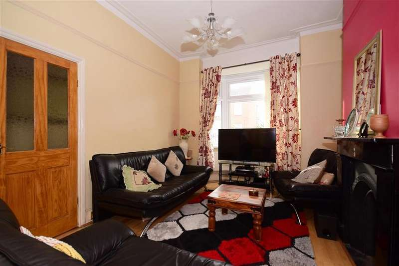 3 Bedrooms Terraced House for sale in Copeland Road, London