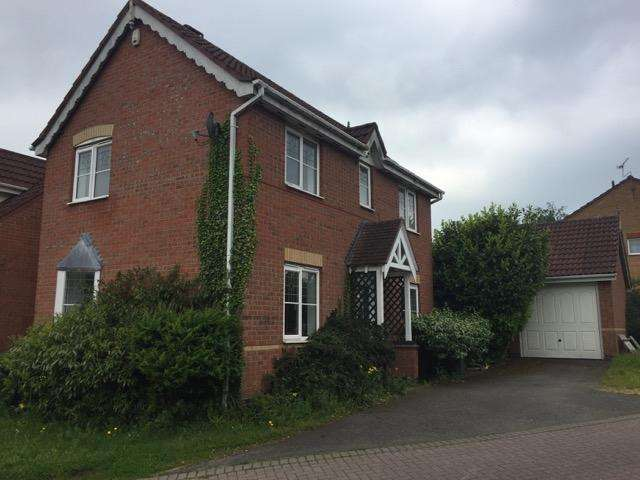 3 Bedrooms Semi Detached House for sale in Owen Close, Thorpe Astley, LE3