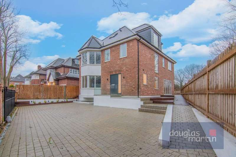5 Bedrooms Detached House for sale in Ashley Lane, London, NW4