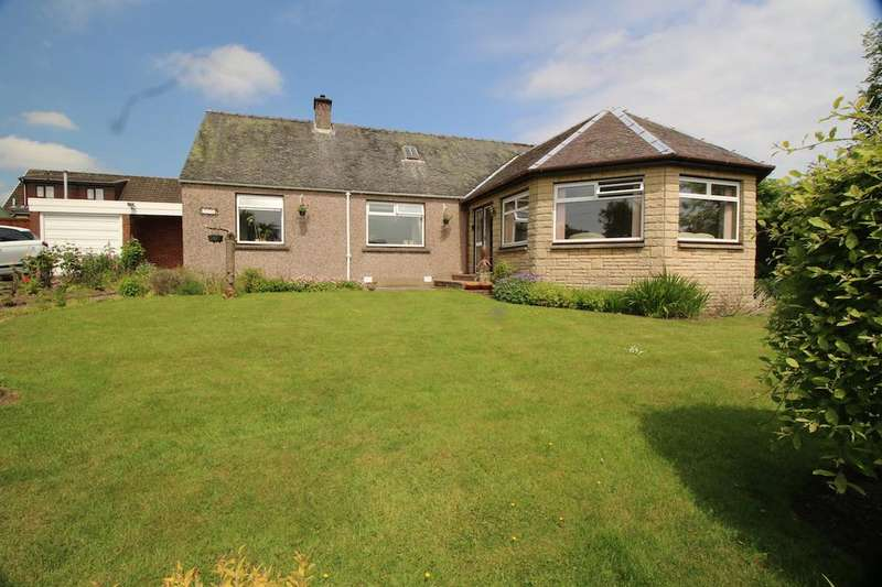 2 Bedrooms Detached Bungalow for sale in Hayfield Cottage, Head of Muir, Denny, FK6 5JX