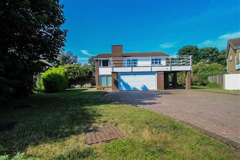 4 Bedrooms Detached House for sale in Beacon Heights, St Osyth
