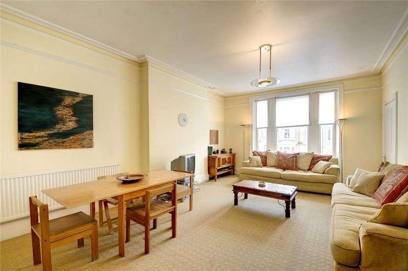 3 Bedrooms Flat for sale in Belsize Crescent, Belsize Park, London
