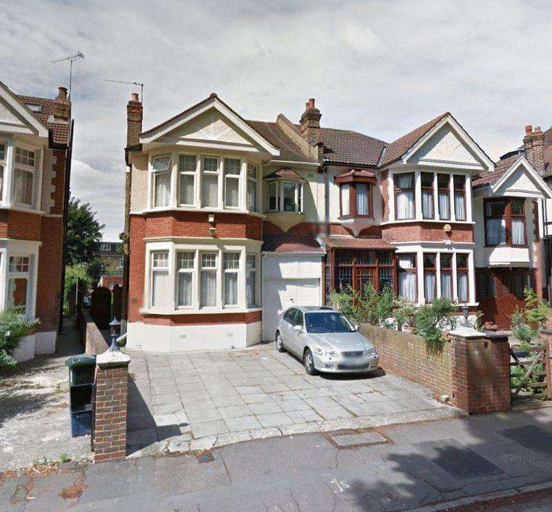 4 Bedrooms Semi Detached House for sale in Blake Hall Crescent, Wanstead E12