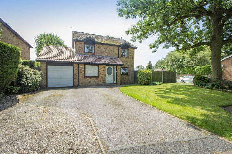 4 Bedrooms Detached House for sale in LINDFORD CLOSE, OAKWOOD