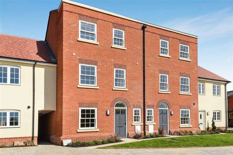 4 Bedrooms Terraced House for sale in Railway Place, Whitchurch