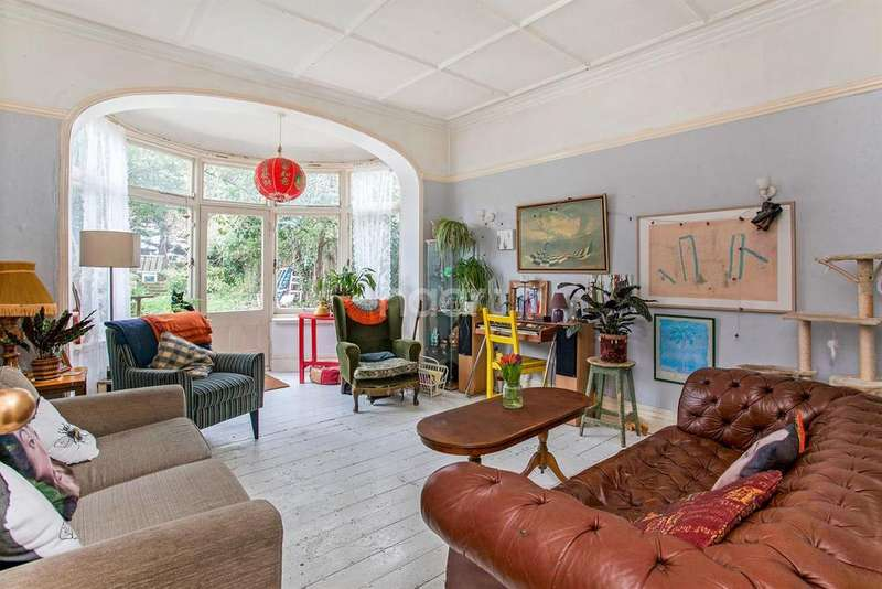 6 Bedrooms Semi Detached House for sale in Drewstead Road, Streatham, SW16