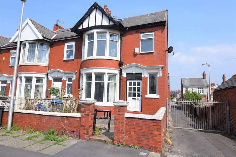 6 Bedrooms End Of Terrace House for sale in Westminster Road, Blackpool