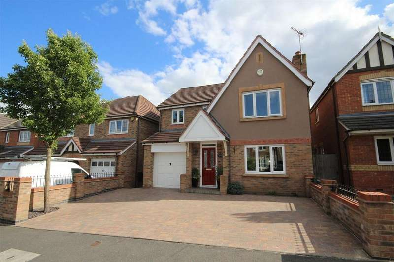 4 Bedrooms Detached House for sale in Hatters Court, Bedworth, Warwickshire