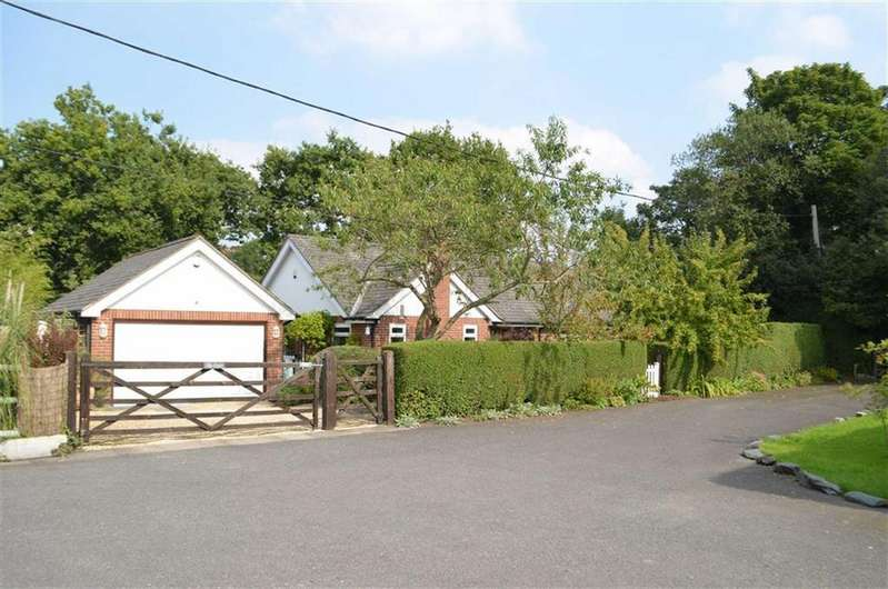 3 Bedrooms Detached Bungalow for sale in Kingswood Avenue, Saughall, Chester, Chester