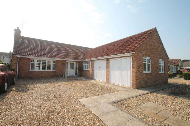 3 Bedrooms Detached Bungalow for sale in Mulberry Way, Spalding