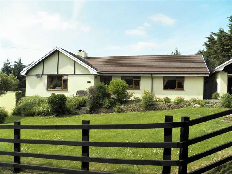3 Bedrooms Detached Bungalow for sale in RHYDLEWIS