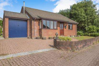 2 Bedrooms Bungalow for sale in Delabole, Cornwall, England