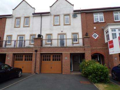 4 Bedrooms Town House for sale in Border Drive, Buckshaw Village, Chorley, Lancashire