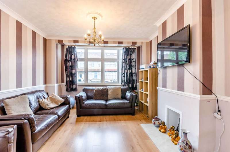 4 Bedrooms Terraced House for sale in Fieldend Road, Streatham Vale, SW16