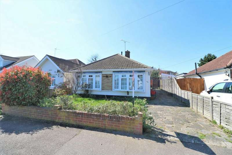3 Bedrooms Detached Bungalow for sale in Seaview Road, Brightlingsea, Colchester, Essex