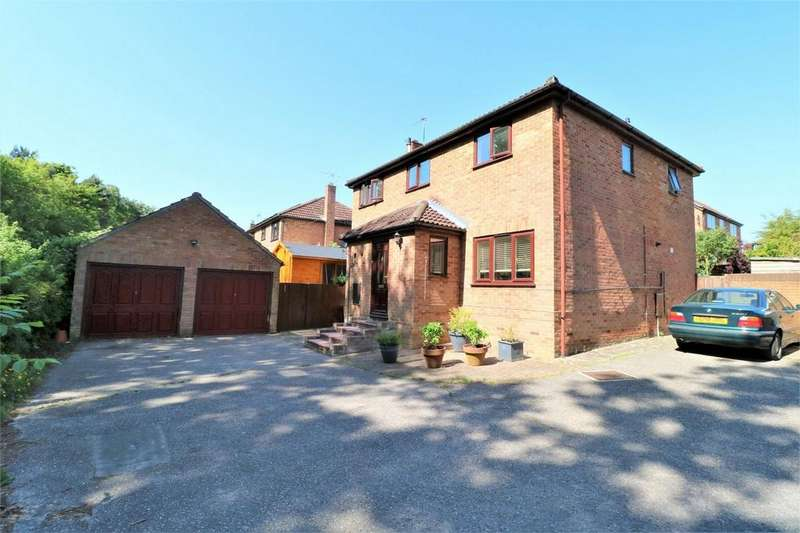 4 Bedrooms Detached House for sale in Wilson Close, Wivenhoe, Colchester, Essex