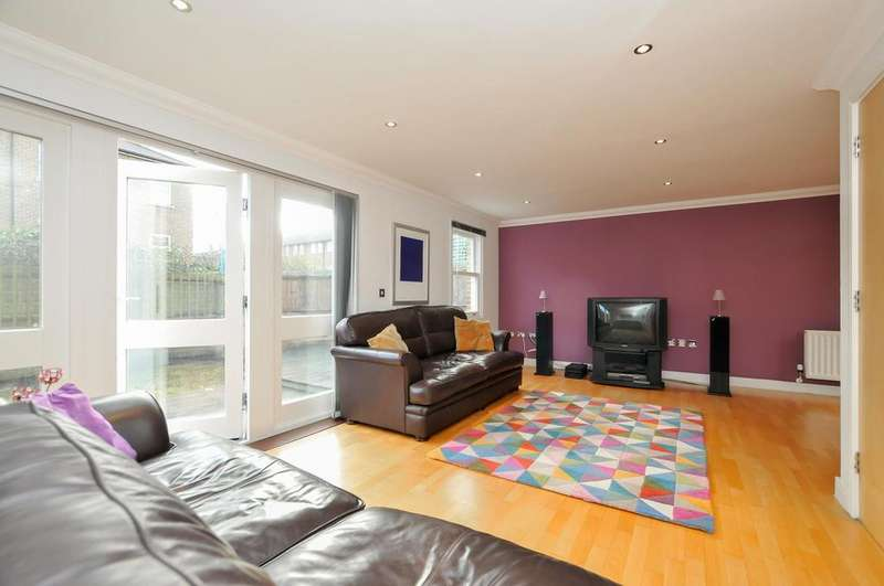 4 Bedrooms Terraced House for sale in Stoke Newington Church Street, London