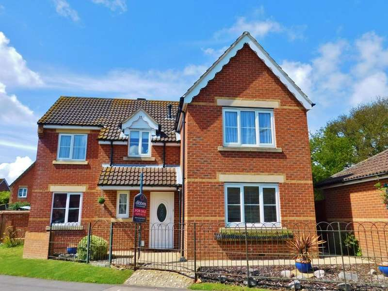 4 Bedrooms Detached House for sale in Minerva Drive, Gosport
