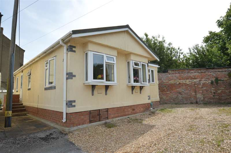 2 Bedrooms Park Home Mobile Home for sale in Lodge Park Homes, Tattershall, Lincoln