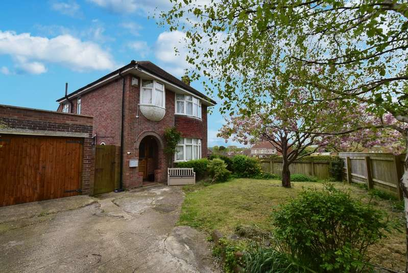 3 Bedrooms Detached House for sale in Preston Road, Yeovil BA20