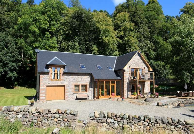 5 Bedrooms Detached Villa House for sale in Comraich, Lochelour, Crieff, PH7 4JS