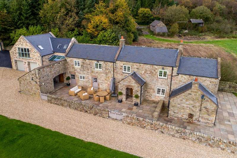 5 Bedrooms Detached House for sale in Myrtle Grove, Stonedge, Ashover