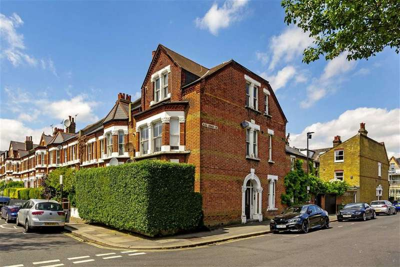 2 Bedrooms Flat for sale in Cautley Avenue, Clapham, London, SW4