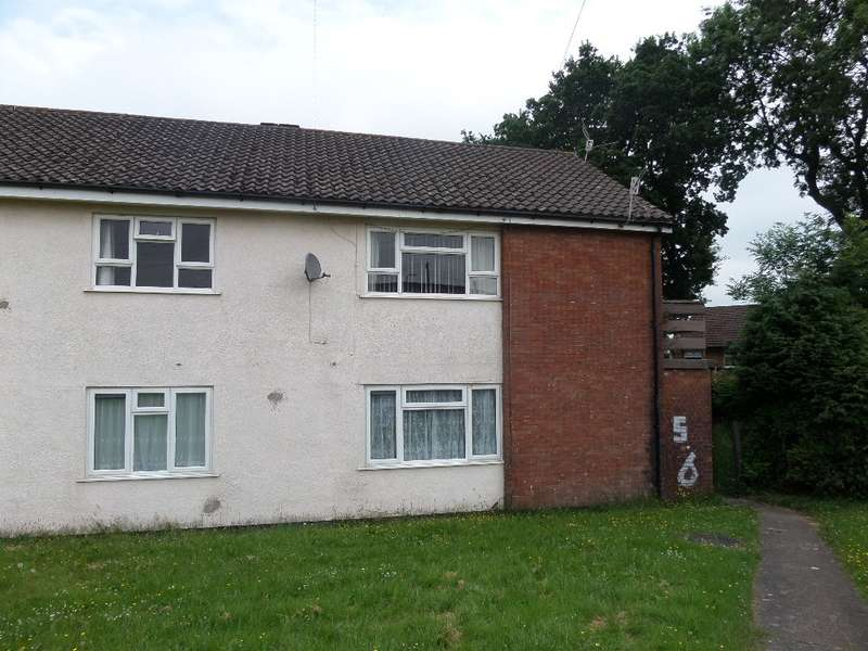 2 Bedrooms Flat for sale in Ambrose Way, New Inn, Pontypool, NP4