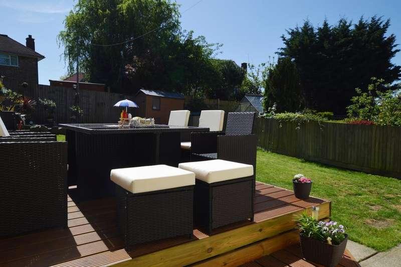3 Bedrooms Terraced House for sale in Crockham Way Eltham SE9