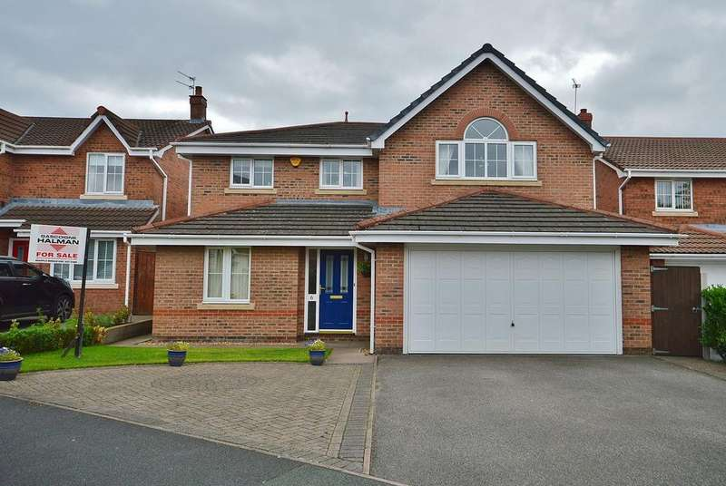 4 Bedrooms Detached House for sale in Hall Pool Drive, Offerton