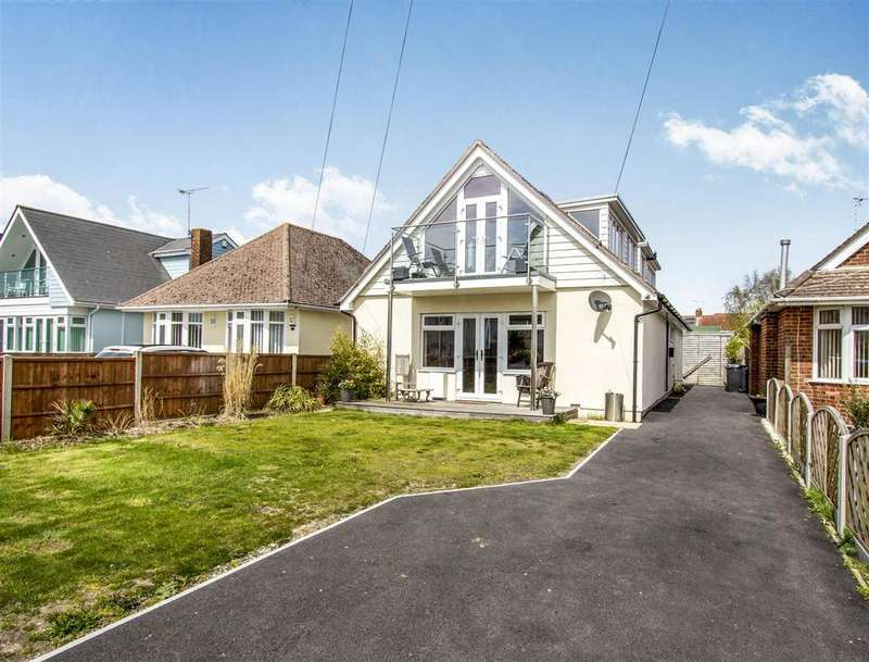 4 Bedrooms Bungalow for sale in Lulworth Avenue, Hamworthy, Poole