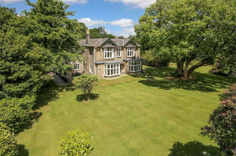 5 Bedrooms Detached House for sale in Church Street, Kingsbridge, Devon, TQ7