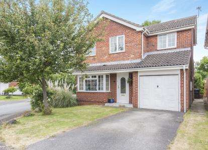 4 Bedrooms Detached House for sale in Plover Crescent, Leicester