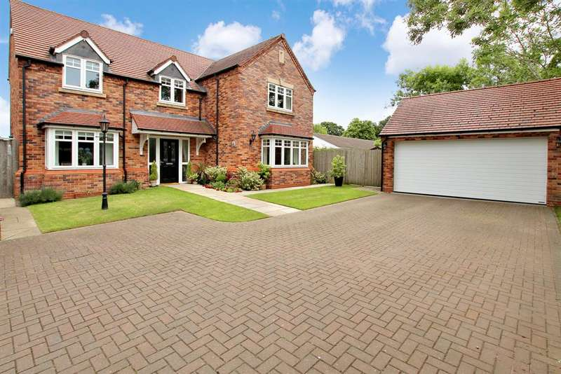 5 Bedrooms Detached House for sale in Church Road, Webheath, Redditch, B97 5PD