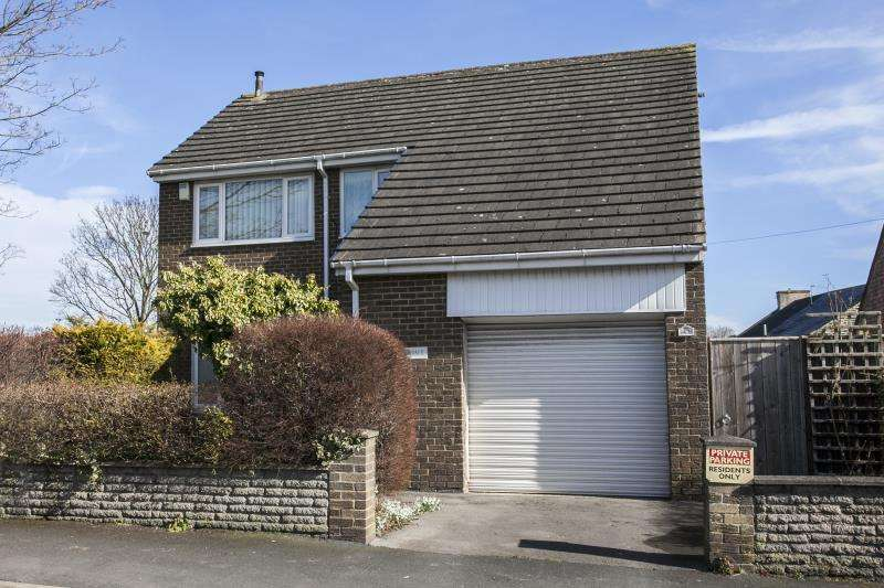 4 Bedrooms Detached House for sale in West Road , , Crook , County Durham