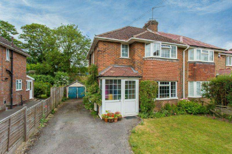 3 Bedrooms Semi Detached House for sale in LITTLE CHALFONT